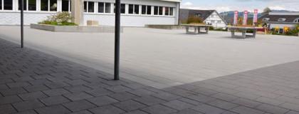 Umgebungsarbeiten Schulhausplatz, Stein